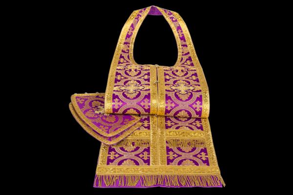Требное облачение фиолетовое с золотом, шелк